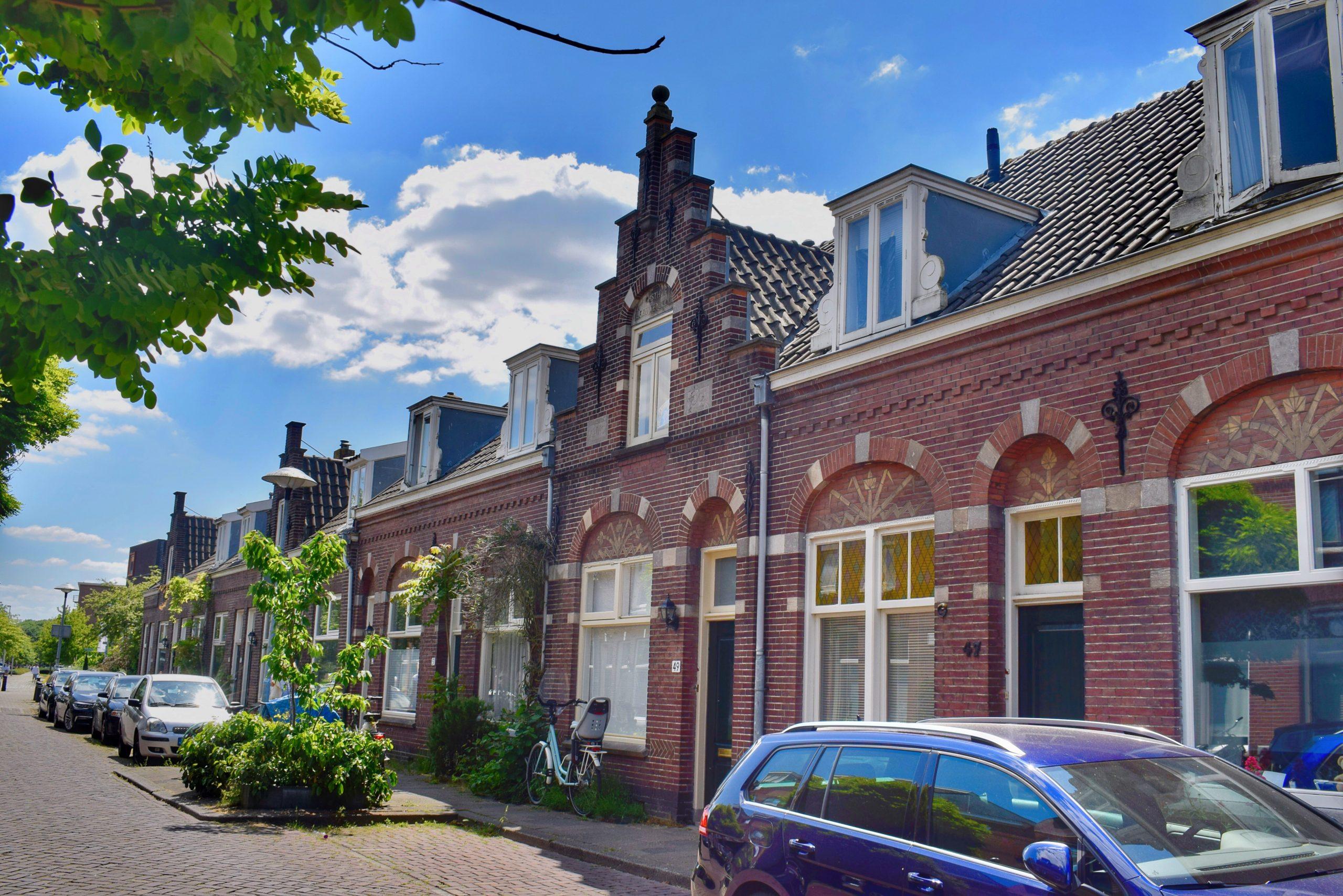 Fietsroute langs bijzondere arbeiderswijken in Utrecht