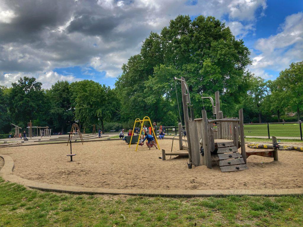 Julianapark - kinderspeelveld