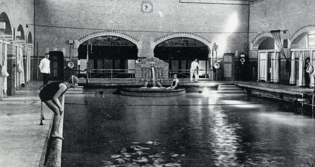 Ozebi in 1928.