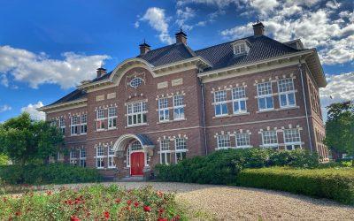 Wandelen over het bijzondere terrein van de University College Utrecht