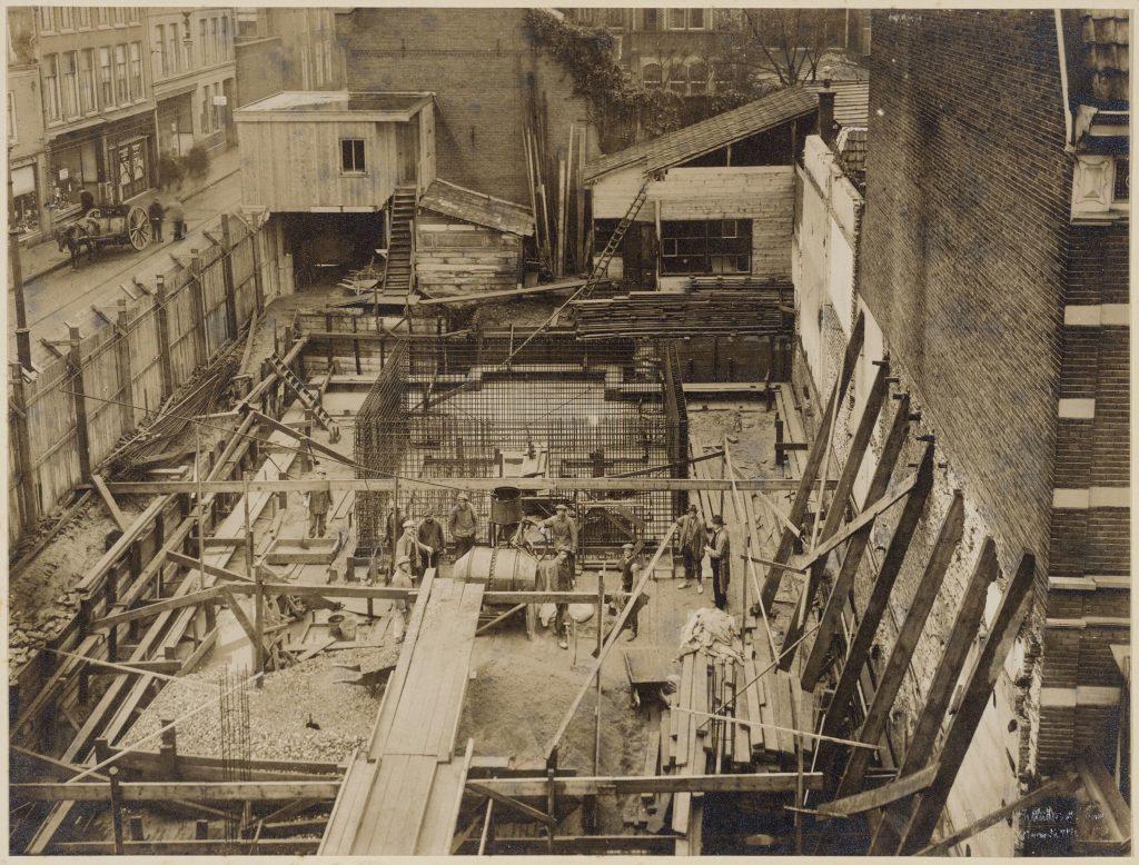 Zwart-wit - Incassobank - bouw in 1920