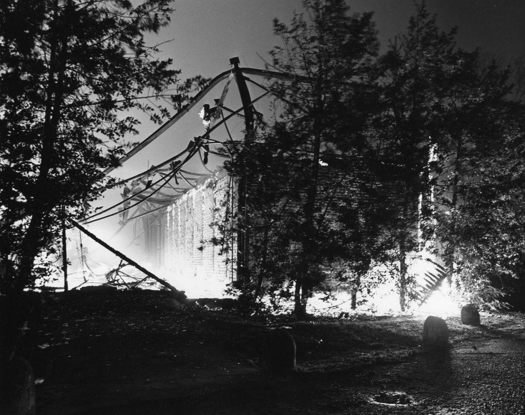 Afbeelding van de in brand staande concertzaal Tivoli (Lepelenburg) te Utrecht